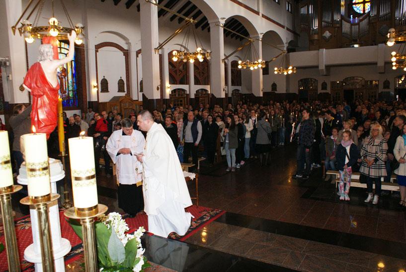 Bierzmowanie_odnowienie_przyrzeczen_chrzcielnych